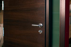 pigios sarvuotos durys vilniuje